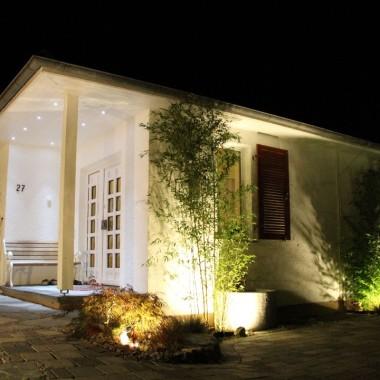 Garten beleuchtet bei Nacht (5)